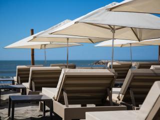 Agencement plage privée Le Farniente aux Saintes Maries de la Mer