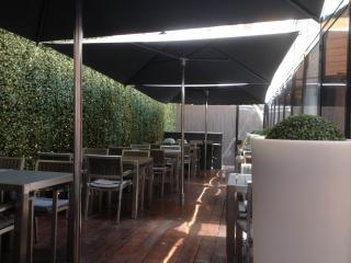 Parasols restaurant Côté Cour - Aix en Pce