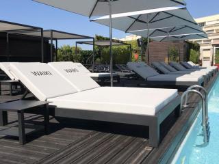 Matelas bord de piscine personnalisé pour le Waiki Beach