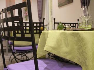 Custom cushions for restaurant