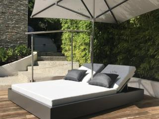 Double outdoor beds