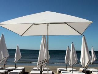 Parasols pro plage privée