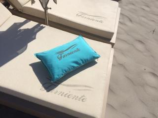 Matelas de plage avec logo pour le Farniente