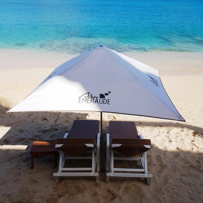Beach Umbrellas & Mattresses - Hotel Bleu Emeraude in St Martin