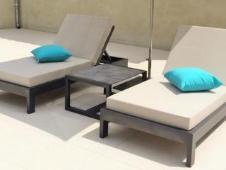 One-seater outdoor beds