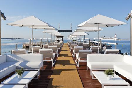 Fabrication de parasols pour l'Hôtel Majestic à Cannes