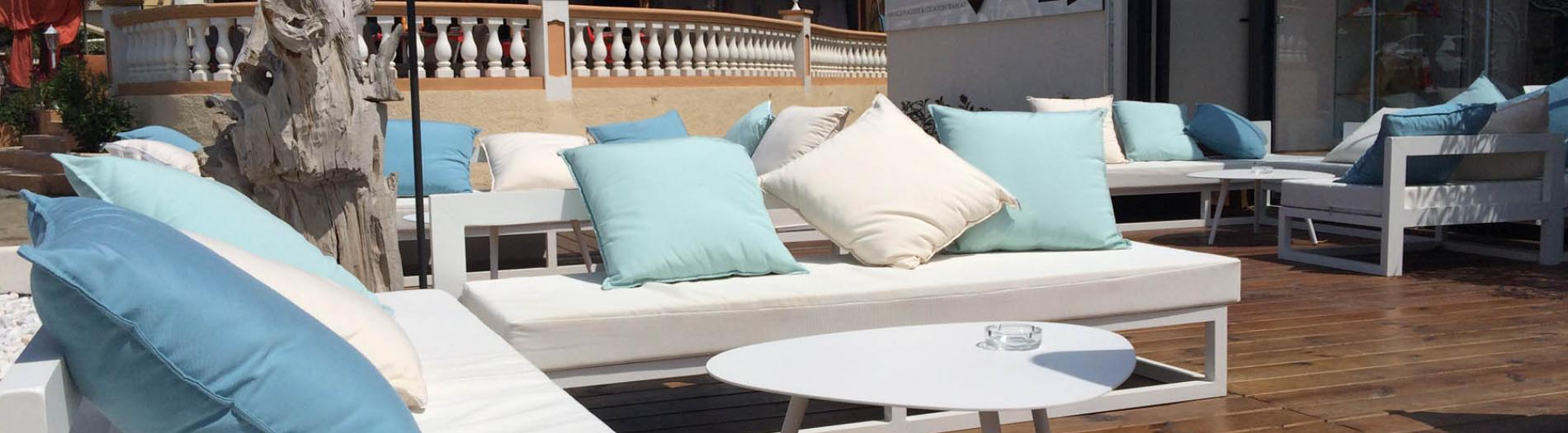 Furniture & fittings: hotel terrace, beach and poolside