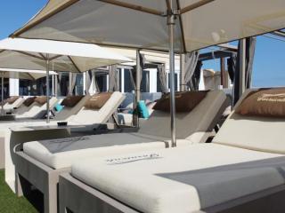 Matelas personnalisés pour la plage privée Le Farniente
