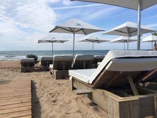 Parasols personnalisés de la plage Chiringuito