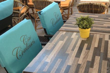Coussins personnalisés pour terrasse de café