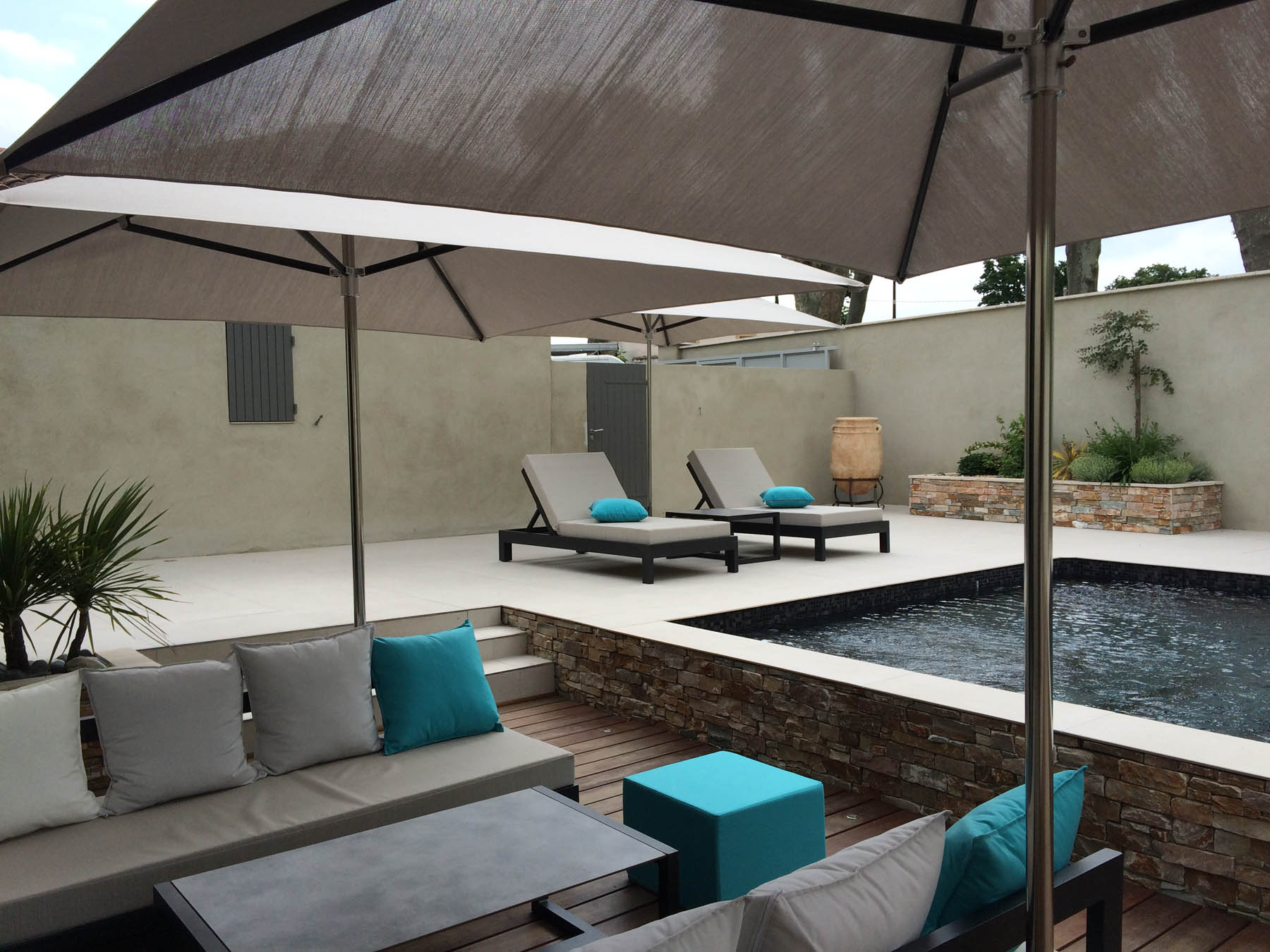Mobilier pour bord de piscine ~~ Mobilier & Agencement La Réunion Monaco