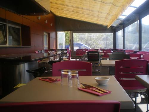 bien choisir son velum de terrasses de caf restaurant h tel vente fabrication de velums. Black Bedroom Furniture Sets. Home Design Ideas