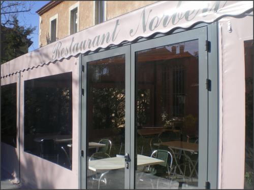 Bien choisir son velum de terrasses de café, restaurant ...