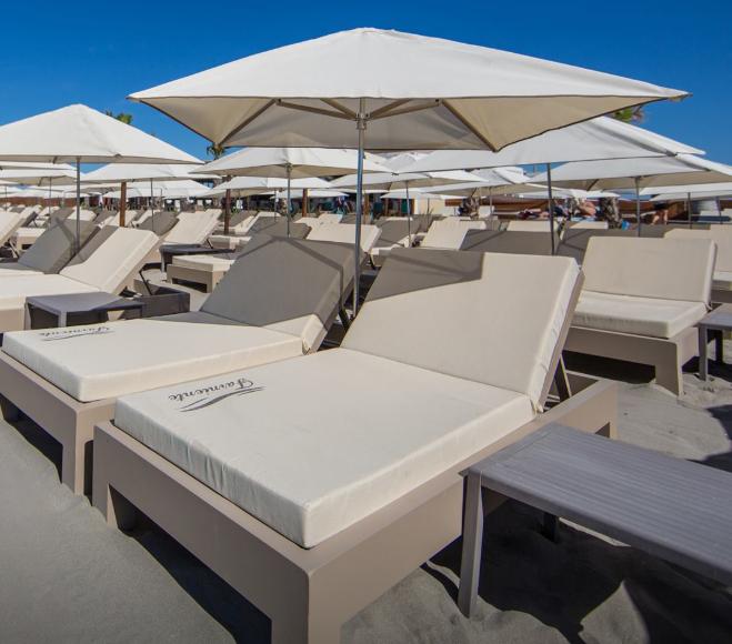 Matelas de plage personnalisables - Matelas plage privée - Matelas impermeables - Mousses Etoiles