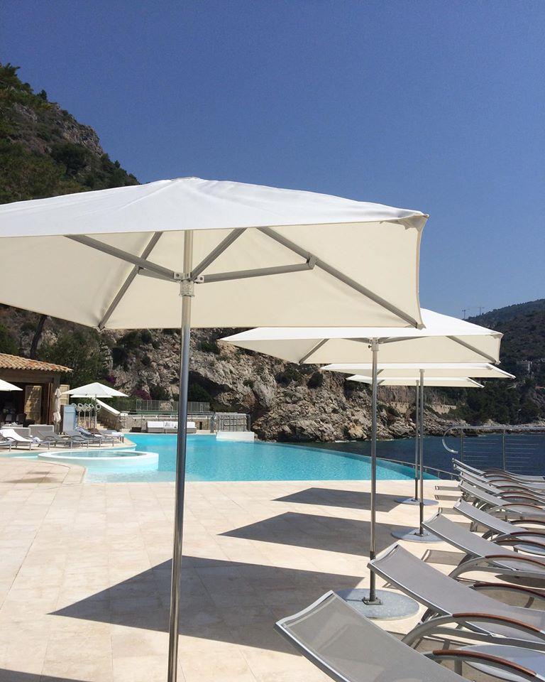 Parasol de piscine - Hôtel de luxe - Maison d'hôtes - Fabricant Mousses Etoiles