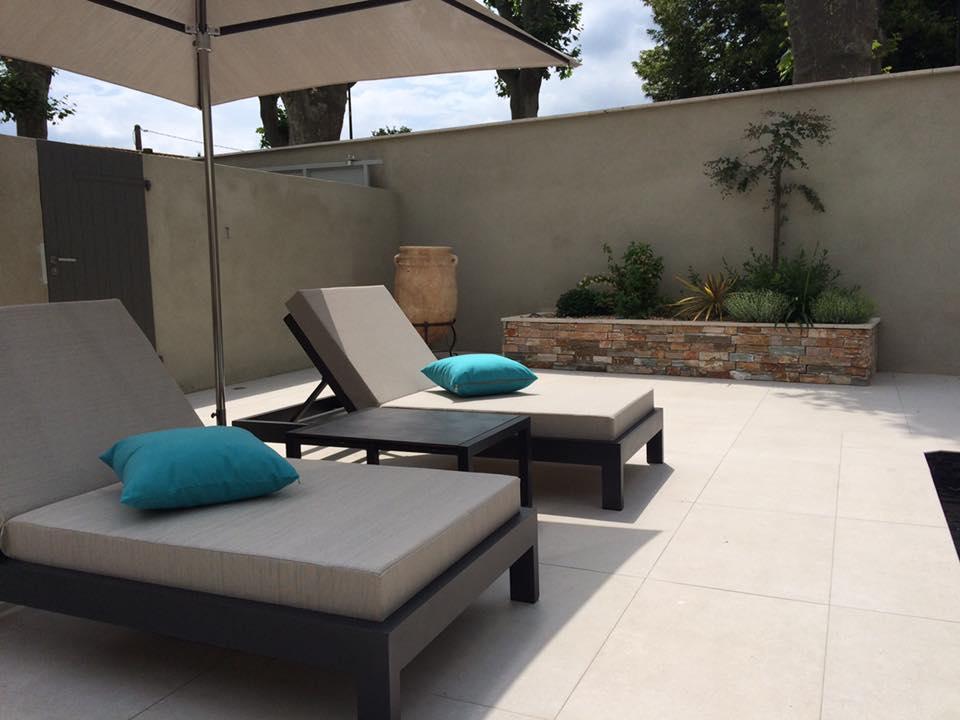 Transats et bains de soleil pour bord de piscine - Hôtels et villas de luxe
