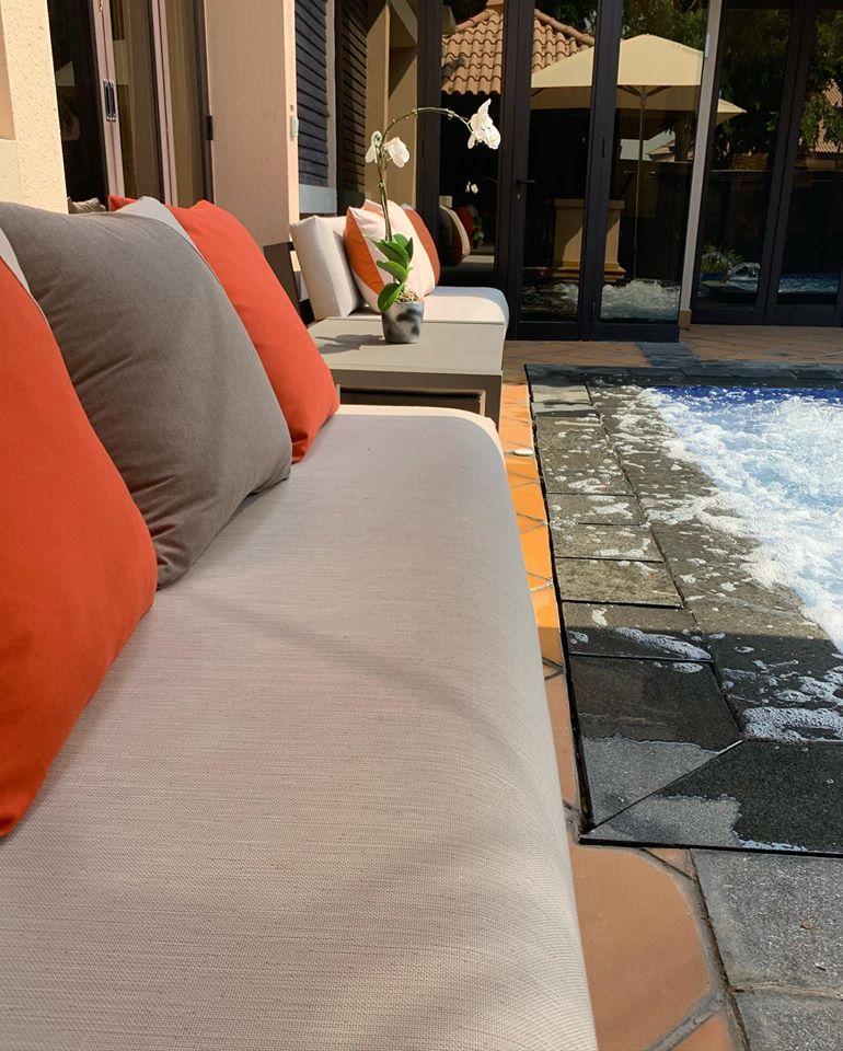 Coussins Mousses Etoiles insensibles à l'eau pour un hôtel à Dubai- waterproof - Restaurant - Hôtel - Plage privée