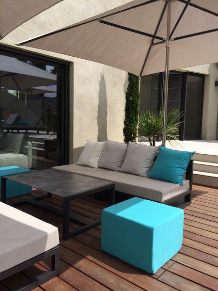 Mobilier lounge et parasol professionnel - aménagement de terrasse - Hôtels - Restaurants - Chambres d'hôtes - Villas privées