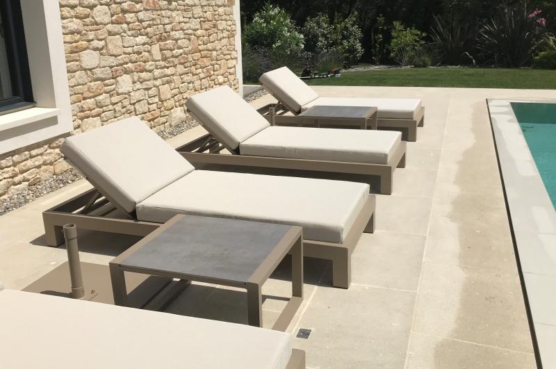 Table basses Mobilier louge outdoor - Tables basses bord de piscine hôtel - table repas restaurant - Mousses Etoiles