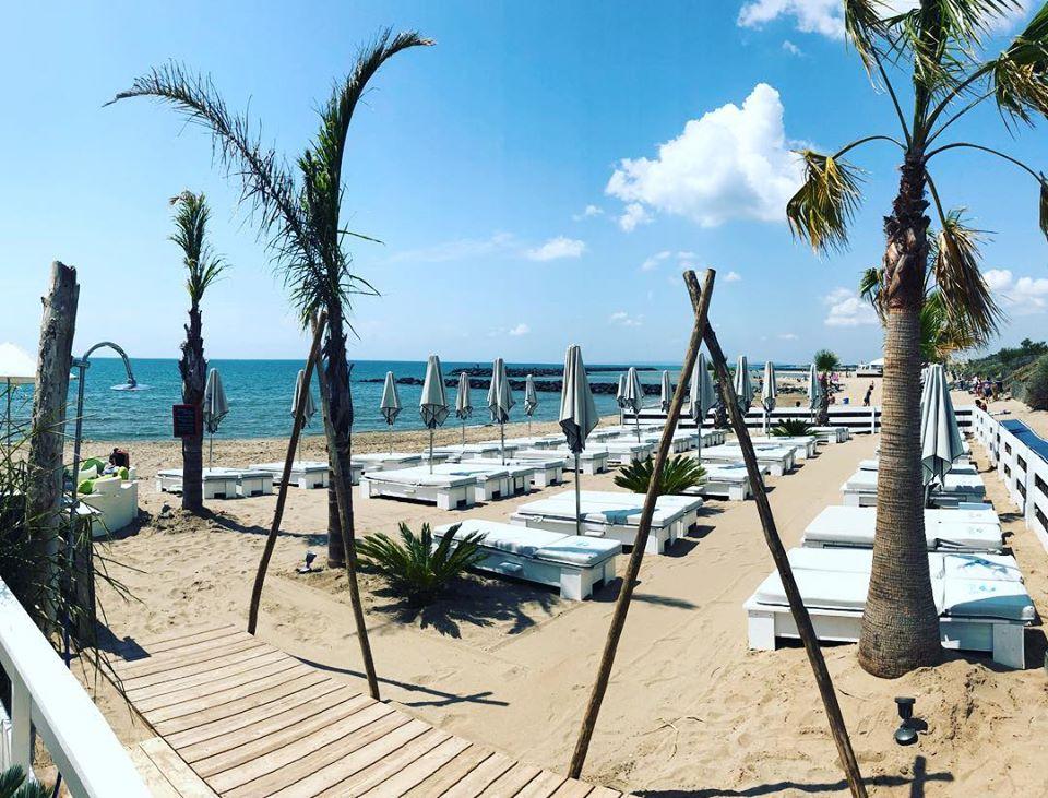 Matelas de plage et coussins sur mesure insensibles à l'eau - Plage privées , restaurants et hôtels