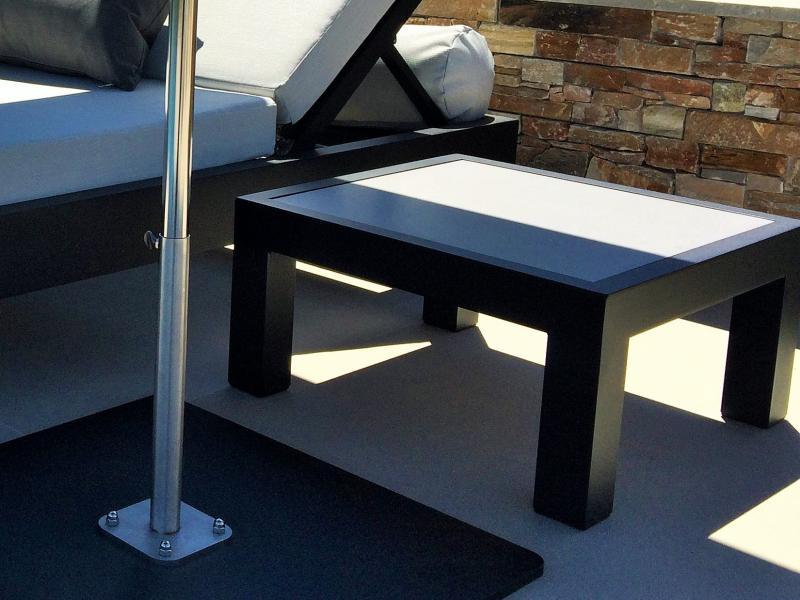 Mobilier louge  outddor - Tables basses bord de piscine hôtel - table repas restaurant - Mousses Etoiles